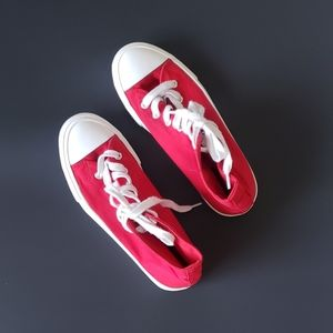 FOREVER 21 RED & WHITE HI TOP SNEAKERS